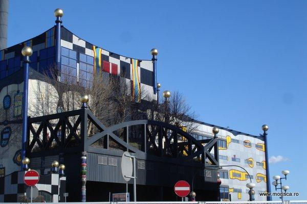 Müllverbrennungsanlage Spittelau -  Hundertwasser in Viena
