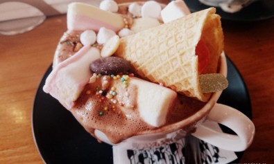Ciocolata calda la Cafe Van Gogh in Bucuresti