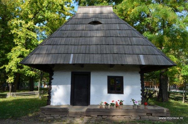 Bucuresti_Muzeul_National_al_Satului_toamna_11