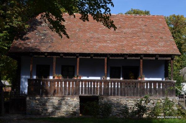 Bucuresti_Muzeul_National_al_Satului_toamna_26