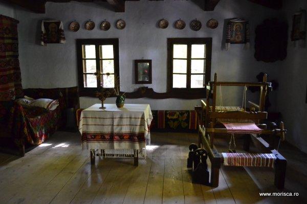 Bucuresti_Muzeul_National_al_Satului_toamna_29