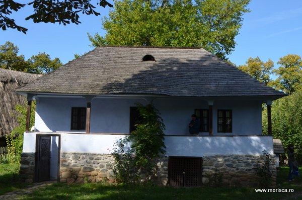 Bucuresti_Muzeul_National_al_Satului_toamna_30