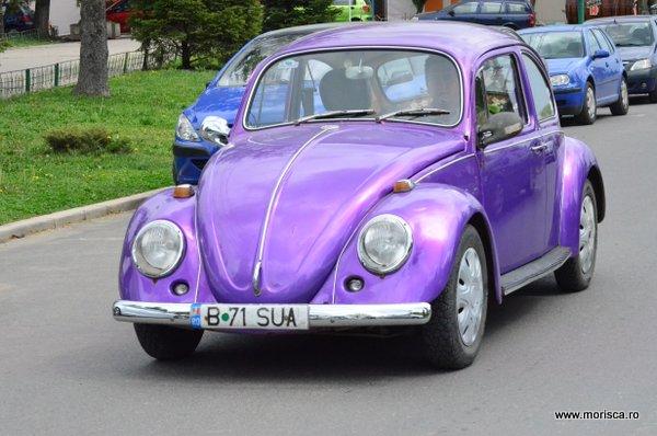 Volkswagen Beetle de colectie la Parada primaverii Retromobil  in Parcul Herastrau din Bucuresti - aprilie 2015