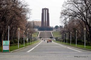Bucuresti_Parcul_Carol_monumentul_eroilor