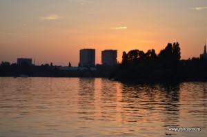 Bucuresti_Parcul_Herastrau_apus_de_soare