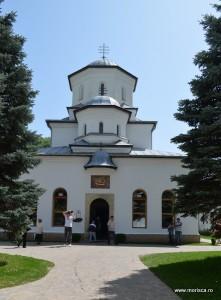 Manastirea_Tismana (4)