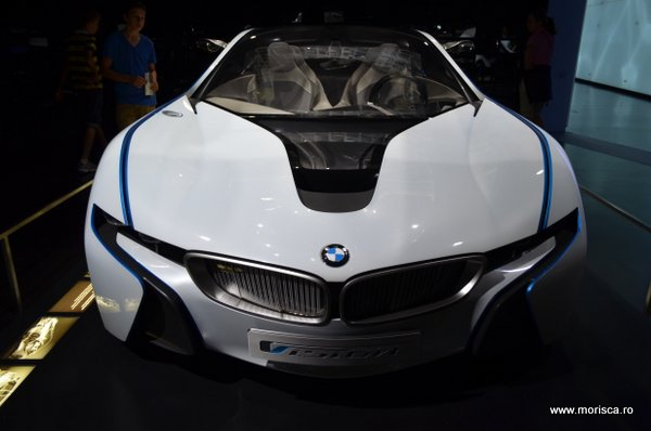 Expozitie de masini la Muzeul BMW din Munchen Germania