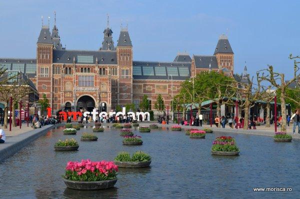 Primavara iin Muzeumplein Amsterdam