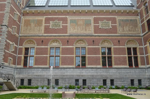 Primavara in Muzeumplein Amsterdam