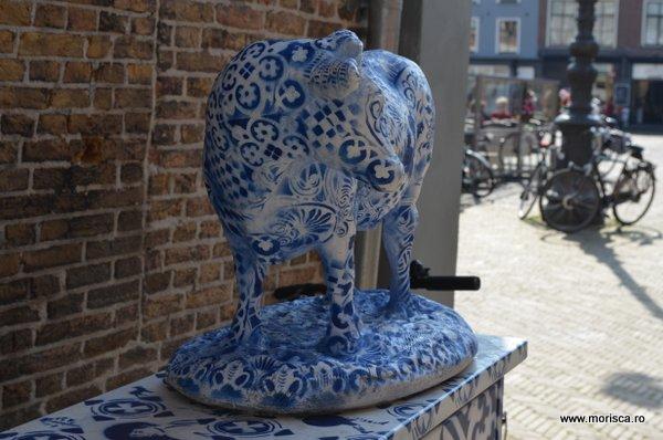 Graffiti alb albastru in Delft