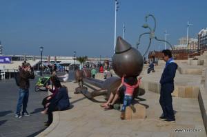Statui plaja Scheveningen Olanda