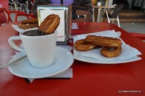Spania_Malaga_churros_con_chocolate