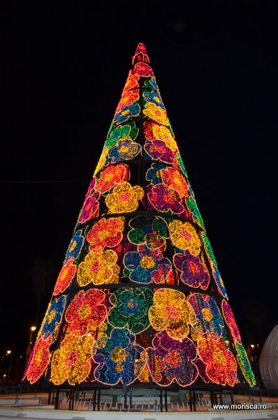 Luminite de Craciun in Malaga, Spania, in decembrie 2012