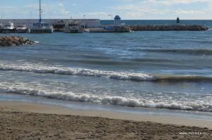 La plaja in Spania, la Marea Mediterana (Marbella - Costa del Sol)